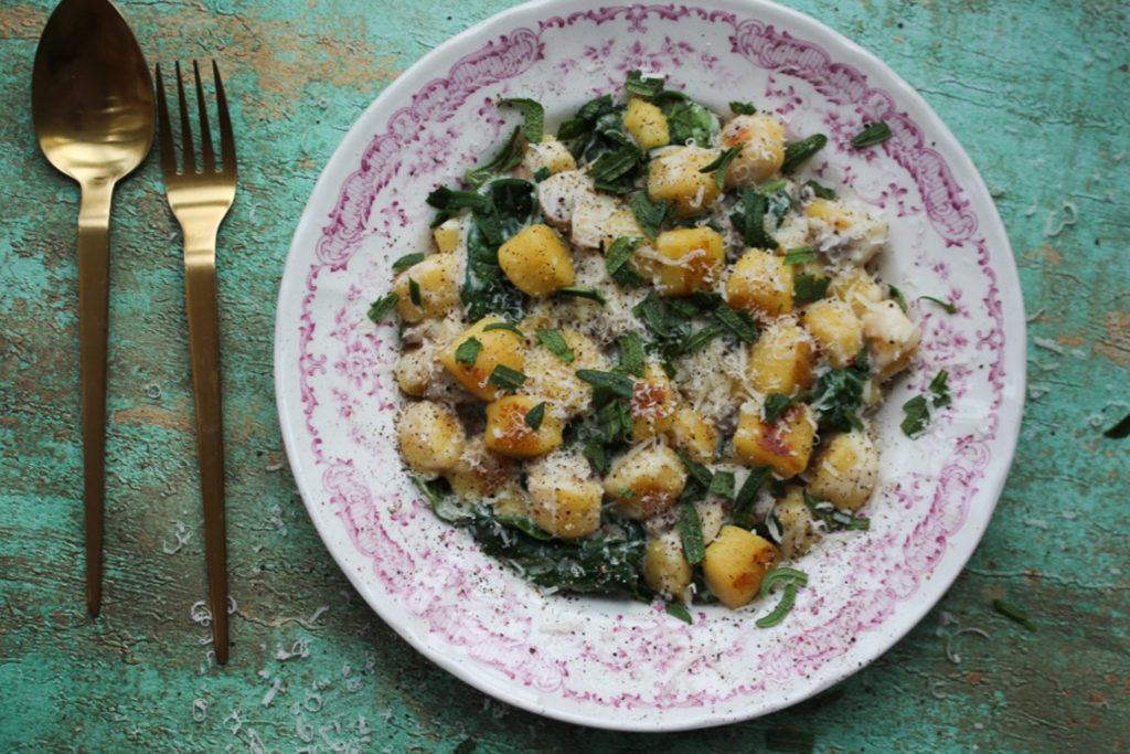 gnocchi med svampe og spinat