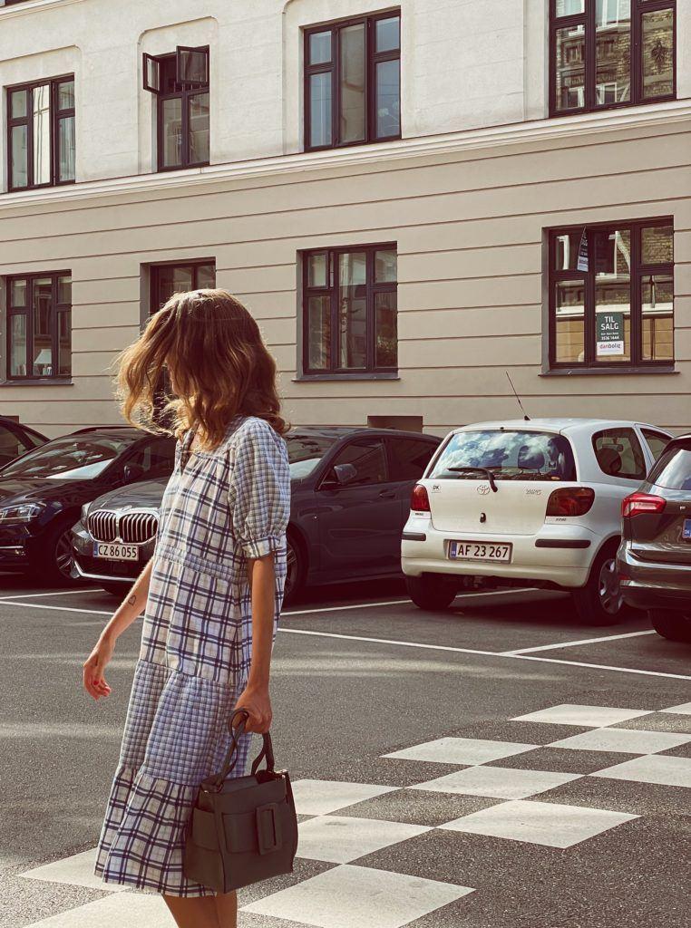 En status og en secondhand-kjole 7