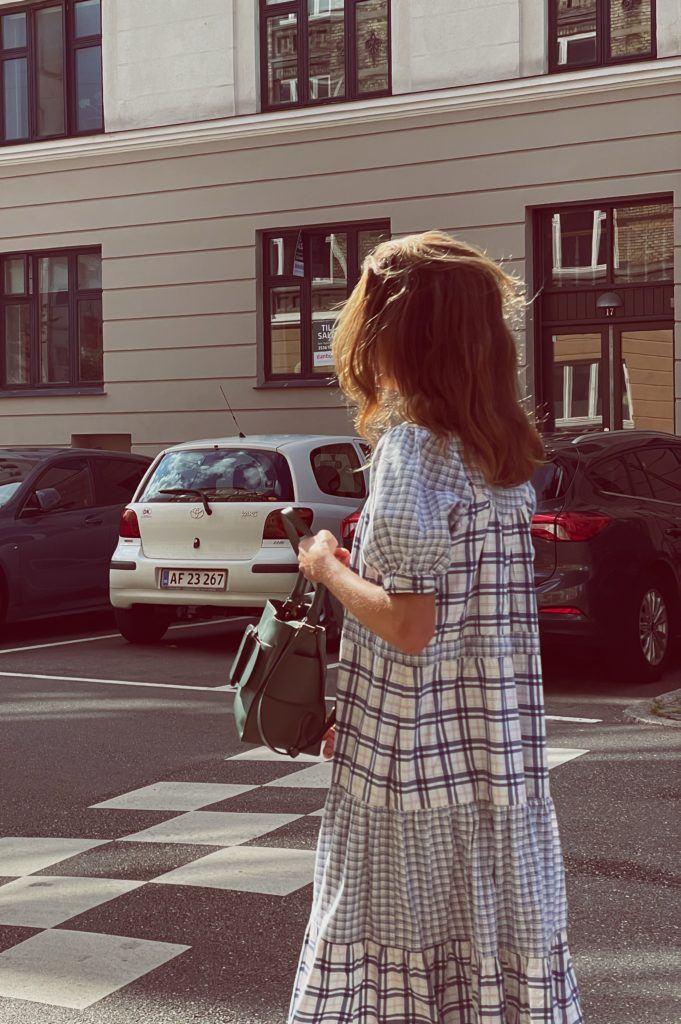 En status og en secondhand-kjole 11