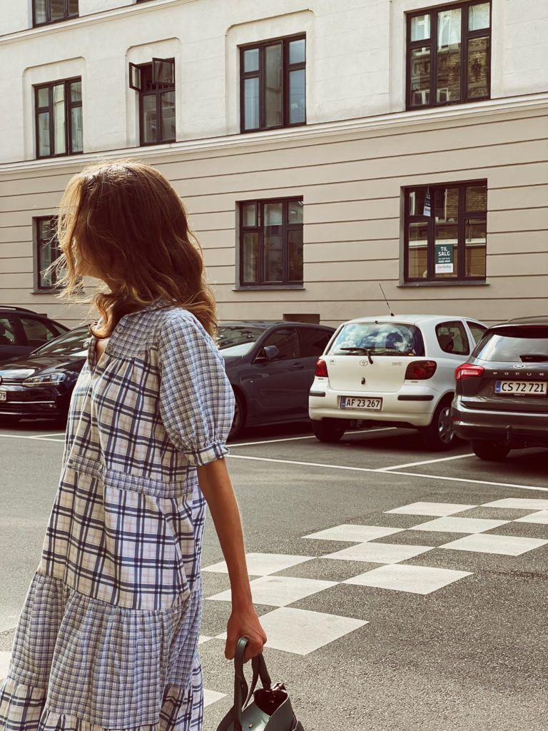 En status og en secondhand-kjole 3